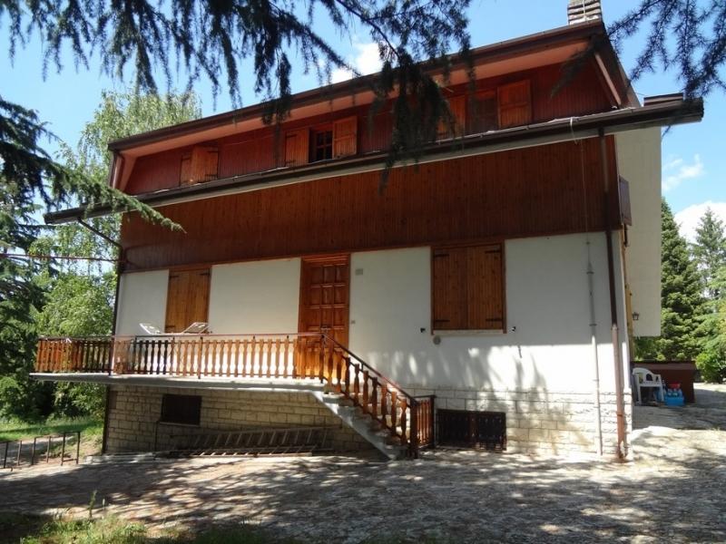 3c immobiliare villa villetta a schiera in vendita 300 mq for Officina garage indipendente